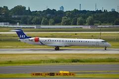 """Rolf Viking"" SAS Scandinavian Airline System OY-KFI Canadair CRJ-900 cn/15242 @ EDDL / DUS 18-06-2017 (Nabil Molinari Photography) Tags: rolfviking sas scandinavian airline system oykfi canadair crj900 cn15242 eddl dus 18062017"