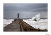 Farolim de Felgueiras V (Raul Kraier) Tags: farolimdefelgueiras faro lighthouse wave porto oporto portugal canon canon6dmarkii seascape farolim foam