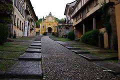Orta (stefano.chiarato) Tags: chiesa strada orta piemonte italy pentax pentaxlife pentaxk70