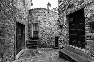 Strade di Castelnuovo Val di Cecina..