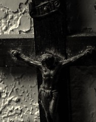 A Blessed Good Friday to all (photo.po) Tags: canont6 canonphotoghraphy canon monochrome blackandwhitephotography blackandwhite crucifix jesus catholictraditions catholicholiday catholic goodfriday