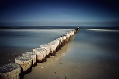 Back to Zingst... (mad_airbrush) Tags: deutschland germany ndfilter nd blue longtime smoothwater smooth buhnen landschaft landscape seascape strand sea langzeitbelichtung longexposure long ostsee balticsea ef1740mmf4l 1740mm 5dmarkiii 5d