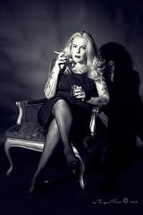 Marlene Dietrich-558-3 (Adriana.Britto) Tags: ensaio retrato portrait foto photo fotografia photography loira blonde blond model mature blackwhite blackandwhite pb pbr pretoebranco people art