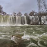 Frente a la cascado - Facing the waterfall thumbnail