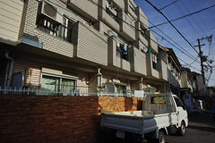 20180526_DP0Q0032 (NAMARA EXPRESS) Tags: street city house building apartment car automobile vehicle truck daytime spring fine outdoor color toyonaka osaka japan spp spp653 foveon x3 sigma dp0 quattro wide ultrawide superwide namaraexp
