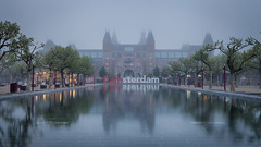 Foggy morning (pong0814) Tags: canon eos 5dii dslr photography ef35mmf14l outdoors prime tripod fog morning may 2018 travel travelphotography early gray wide reflection pool iamsterdam sign museum rijksmuseum amsterdam netherlands europe
