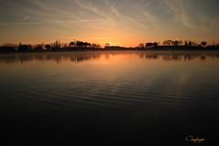 Calma latente... (cienfuegos84) Tags: sun water agua sol sky cielo blue azul naranja orange