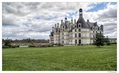 Château de Chambord (JG Photographies) Tags: château chambort france loiretcher françois ier french jgphotographies canon7dmarkii bâtiment ciel pelouse champ paysage tour architecture jardin arbre parc