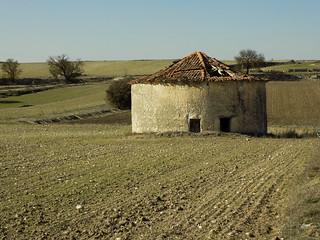 (14-52) Palomar en ruinas