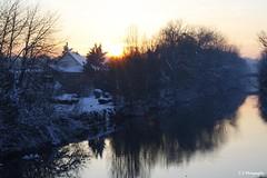 Douceur d'un soir gelé (Camille.45) Tags: hiver froid neige soleil couché rivière soir