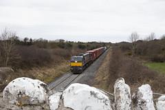 084 on up IWT liner near Clara 21-Mar-18 (metrovick) Tags: irishrail iarnrodeireann ie071class ie084 emd emdexportloco jt22cw railroad railwayoffaly railway freighttrain iwtliner iwt