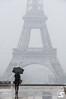 Watching (A.G. Photographe) Tags: anto antoxiii xiii ag agphotographe paris parisien parisian france french français europe capitale d850 nikon nikkor 70200vrii trocédero toureiffel eiffeltower neige snow