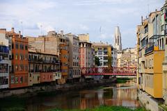 Girona / Gironés / Catalunya (Cataluña-Catalonia) (Ull màgic (+1.500.000 views)) Tags: girona gerona gironés catalunya cataluña catalonia onyar riu rio nucliantic pont puente torre campanar campanario façanes edifici arquitectura núvols nubes reflexes reflejos fuji xt1