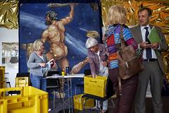 #03 - Clubbing (Monty May (OBSERVE)) Tags: iserlohn nrw germany street streetphotography humour