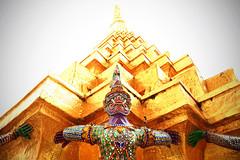 Les gardiens de la pagode (Boccalupo) Tags: asie asia thaïland thaïlande bangkok or gold temple shrine pagode pagoda canon eos 5dmarkii jaune yellow