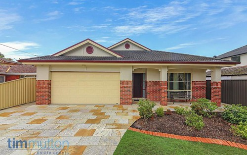 2 Eileen St, Picnic Point NSW