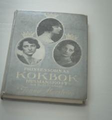 """Mitt bidrag till fotosöndagen """"skönhet"""". Min vackra kokbok efter min mormor. Hon fick den 1931. (My Photolifestyle) Tags: fs180408 fotosondag skönhet"""