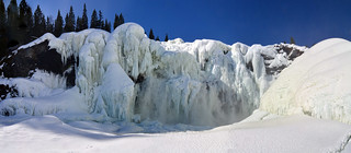 The frozen Tännforsen waterfall