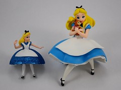 Disney Parks Alice Ornament vs Sega Alice Vinyl Figure (drj1828) Tags: aliceinwonderland alice animated sega vinyl 75inch purchase 2018 deboxed disneyparks ornament groupphoto 4inch