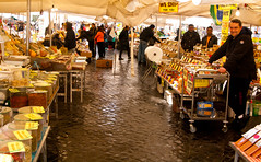Morning Market #3 (J.R. Rondeau) Tags: rondeau italy rome market campodefiori fruits vegetables flowers spices sjet sjet2018