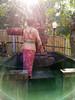 pray (kuuan) Tags: sukawati bali indonesia handphone photo huawei huaweinova2i huaweihonor9i huaweimaimang6 nova2i honor9i maimang6 rnel22 huaweirnel22 huaweimate10lite mate10lite woman pray offering temple padmasana flare lensflare contrejour