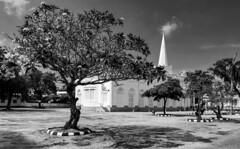 St. George's Anglican Church / Англиканская церковь (dmilokt) Tags: чб bw черный белый black white dmilokt церковь храм собор church chapel kirk cathedral temple sanctuary shrine