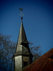 Kirchturmspitze (Pico 69) Tags: museumsdorf kirche himmel hahn pico69