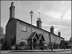 Almshouses, Dunchurch (Jason 87030) Tags: houses homes almshouses thesquare dunchurch warks warwickshire local village dwellings scene lapm post bw bbw black white blanc noir blackandwhite mono frame border uk england