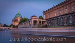 Antigua Galería Nacional - Alte Nationalgalerie (Iñigo Escalante) Tags: berliner dom berlin europe germany sunset night long exposure antigua galería nacional alte nationalgalerie spree river