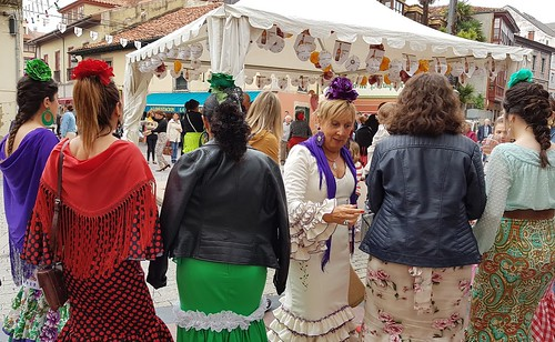 "Feria de Abril/PV • <a style=""font-size:0.8em;"" href=""http://www.flickr.com/photos/85451274@N03/42384152871/"" target=""_blank"">View on Flickr</a>"
