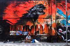 The dragon and the painter (alestaleiro) Tags: streetshot streetcapture são paulo people gente calle rua art artis grafitti grafiti artederua streetart sp alestaleiro painting pintura sãopaulo liberdade
