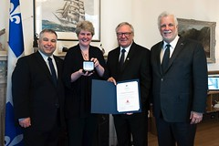 QUÉBEC : Award recipient/lauréat La Fondation pour l'alphabétisation (rep. by/par André Huberdeau and/et Caroline Varin with/avec Premier/premier ministre Philippe Couillard and/et the Honourable/l'honorable Sébastien Proulx, ministre de l'Éducation