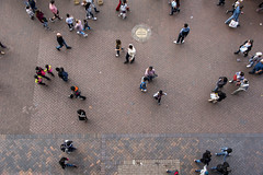 traffic (Greg Rohan) Tags: footpath streetlife pedestrians people walking pavement sydney circularquay d750 2018 nikon nikkor bricks