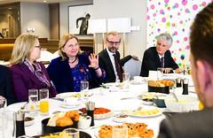 Karin Kneissl trifft WirtschaftsvertreterInnen zum Arbeitsfrühstück in Belgrad
