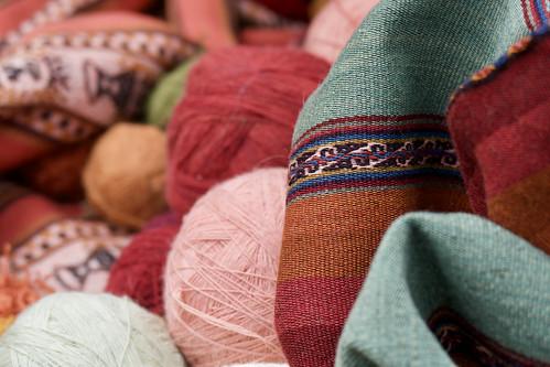 peru-sacred-valley-chinchero-weavers-wool