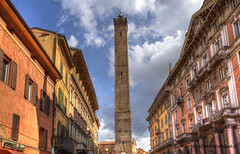 "Tower of Bologna • <a style=""font-size:0.8em;"" href=""http://www.flickr.com/photos/45090765@N05/40203322055/"" target=""_blank"">View on Flickr</a>"