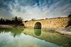 Puente de piedra y reflejos. (Juan Galián) Tags: embalse agua puente landscape