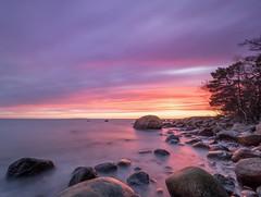 Sunset vibes - Explore (Jarno Nurminen) Tags: emäsalo porvoo finland longexposure rocks seascape shore sunset