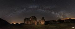 Panorámica Via Lactea (albertoleiras) Tags: canon6d canon1740f4l vialactea milkyway panoramica stars estrellas nocturna galicia paisaje landscape casaenruinas night noche