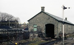Elgin 9apr84 a945 (Ernies Railway Archive) Tags: elginhrstation elgin hr lms scotrail