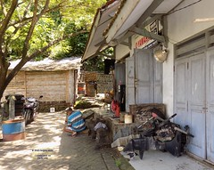Indonesia-Java Yamaha Marine 20171215_121309 DSCN0447 (CanadaGood) Tags: asia asean seasia indonesia indonesian java javanese eastjava jawatimur popoh beach building industry yamaha boat engine tree canadagood 2017 thisdecade color colour tulungagung green