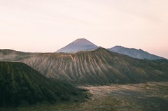 (annadosenes) Tags: indonesia asia summer travel journey adventure travelling landscape nature wild discover explore wander wandering minimal composition colors gunung bromo analog 35mm film minolta analogue fujifilm fujicolor c200 volcano mountain shapes sunrise