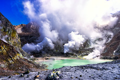 Martian Pool (Kitonium) Tags: white island volcano crater pool boiling steaming mars martian nz new zealand nature outdoor landscape travelling travelgram travelblogger travelphotography bbctravel natgeotravel lonely planet