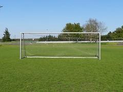 """Das Tor. Die Tore. Beim Fußball ist es das Ziel, den Ball in das Tor zu schießen. • <a style=""""font-size:0.8em;"""" href=""""http://www.flickr.com/photos/42554185@N00/41352669132/"""" target=""""_blank"""">View on Flickr</a>"""