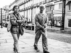 Porto-Raincoat (alexhesse.de) Tags: porto raincoat rain portugal city urban people men women street streetphotography streetfotografie bnw blackwhite blackandwhite biancoenero blancetnoire blancoynegro