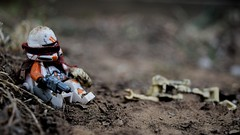 Fatigued (RagingPhotography) Tags: lego star wars republic clonetrooper clone trooper battalion 212 212th outside outdoors outdoor shot photo plastic toy toys minifigure minifig figure battle droid separatist clanker clankers custom customized cloth cloths blaster weapon armed ragingphotography