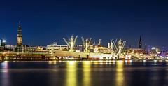 Hamburg Skyline - Cap San Diego (FH | Photography) Tags: hambug skyline hansestadt hanse museumsschiff blauestunde abends gebäude innenstadt hafen ufer deutschland europa norddeutschland michel ubahn cap san diego elbe licht beleuchtung