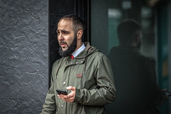 Too hot for a coat (PhredKH) Tags: canoneos7dmkii canonphotography ef70200mmf28lisiiusm fredknoxhooke fredkh london londonstreets photosbyphredkh phredkh splendid streetphotography streetsoflondon people peoplewatching streetscene portrait