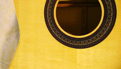 classical guitar image 1