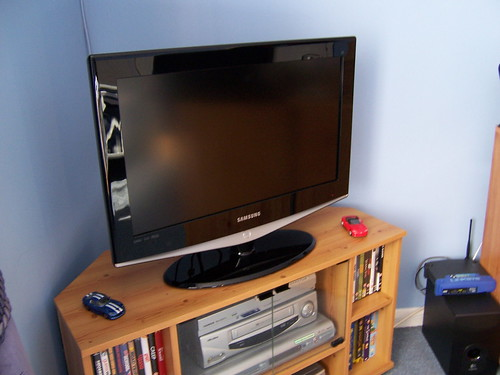 New LCD TV, could be used with Kodak Theater HD Player